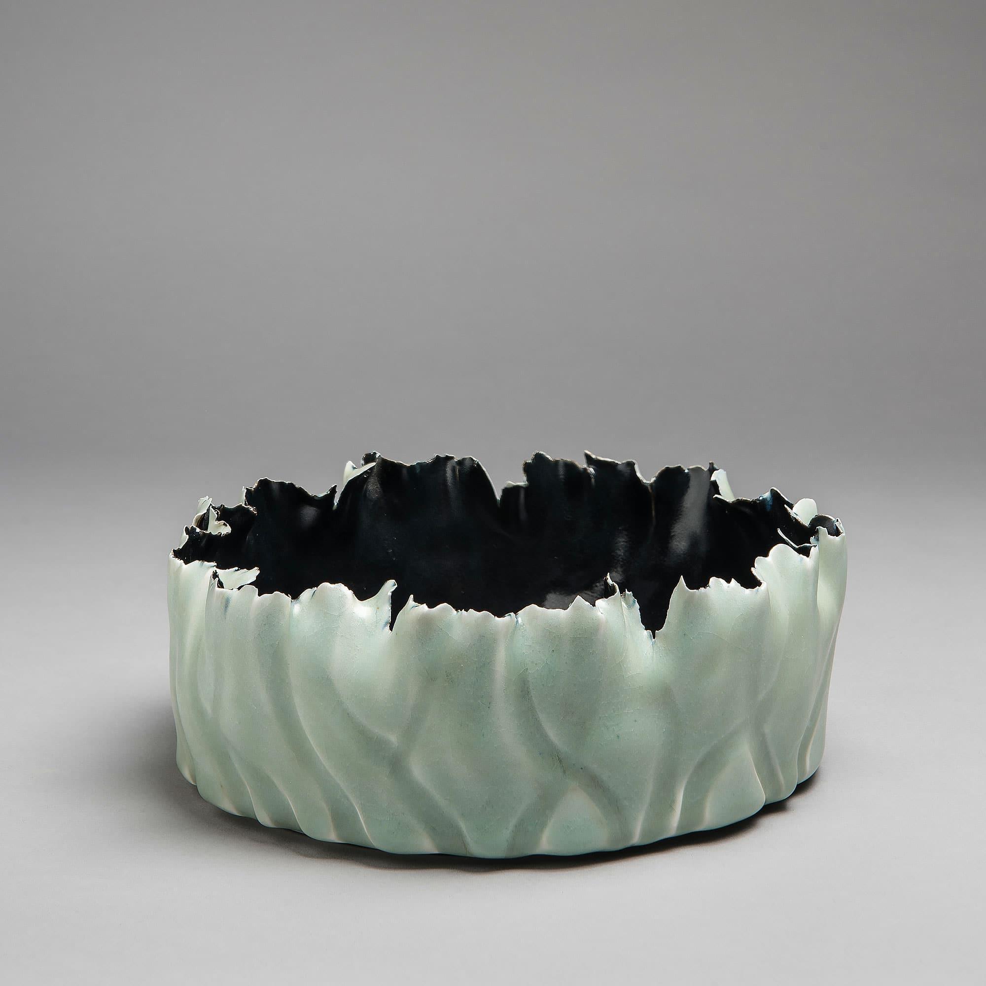 Marie-Laure Guerrier, bassin en porcelaine émaillée 1