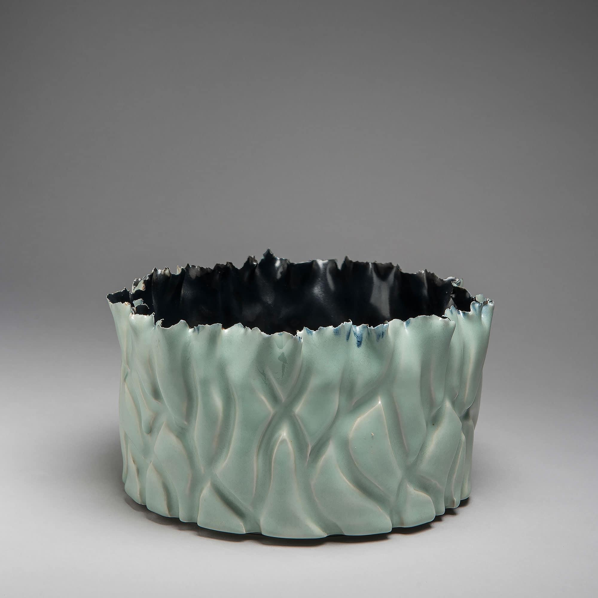 Marie-Laure Guerrier, bassin en porcelaine émaillée 2