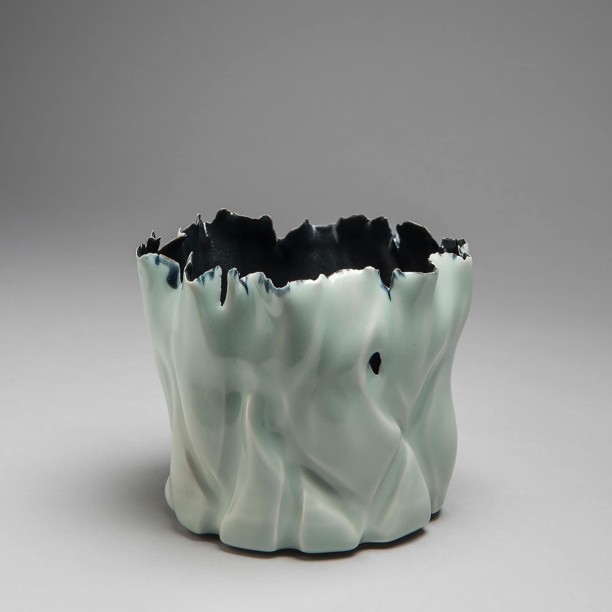 Marie-Laure Guerrier, bassin en porcelaine émaillée 3