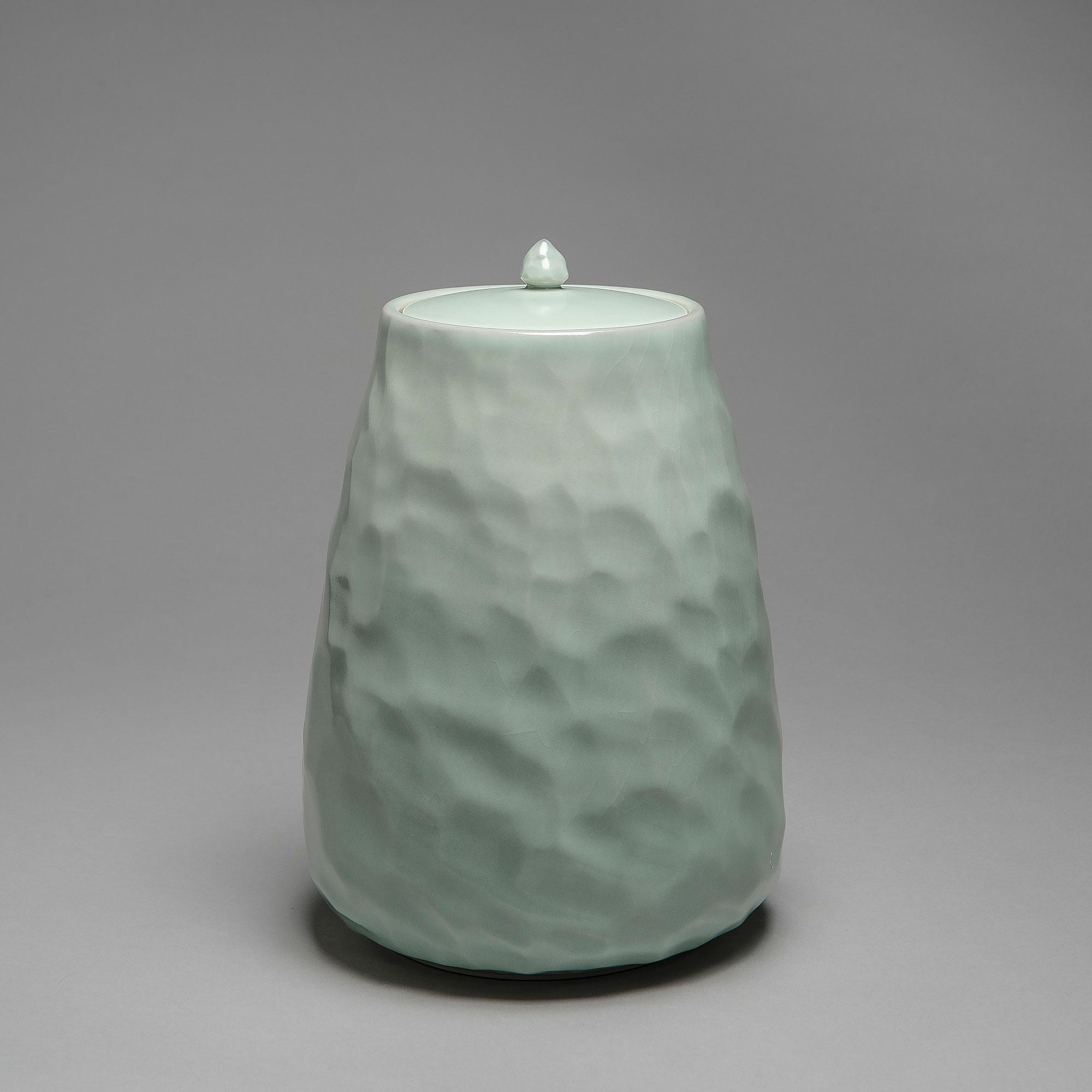 Marie-Laure Guerrier, boite en porcelaine émaillée 15