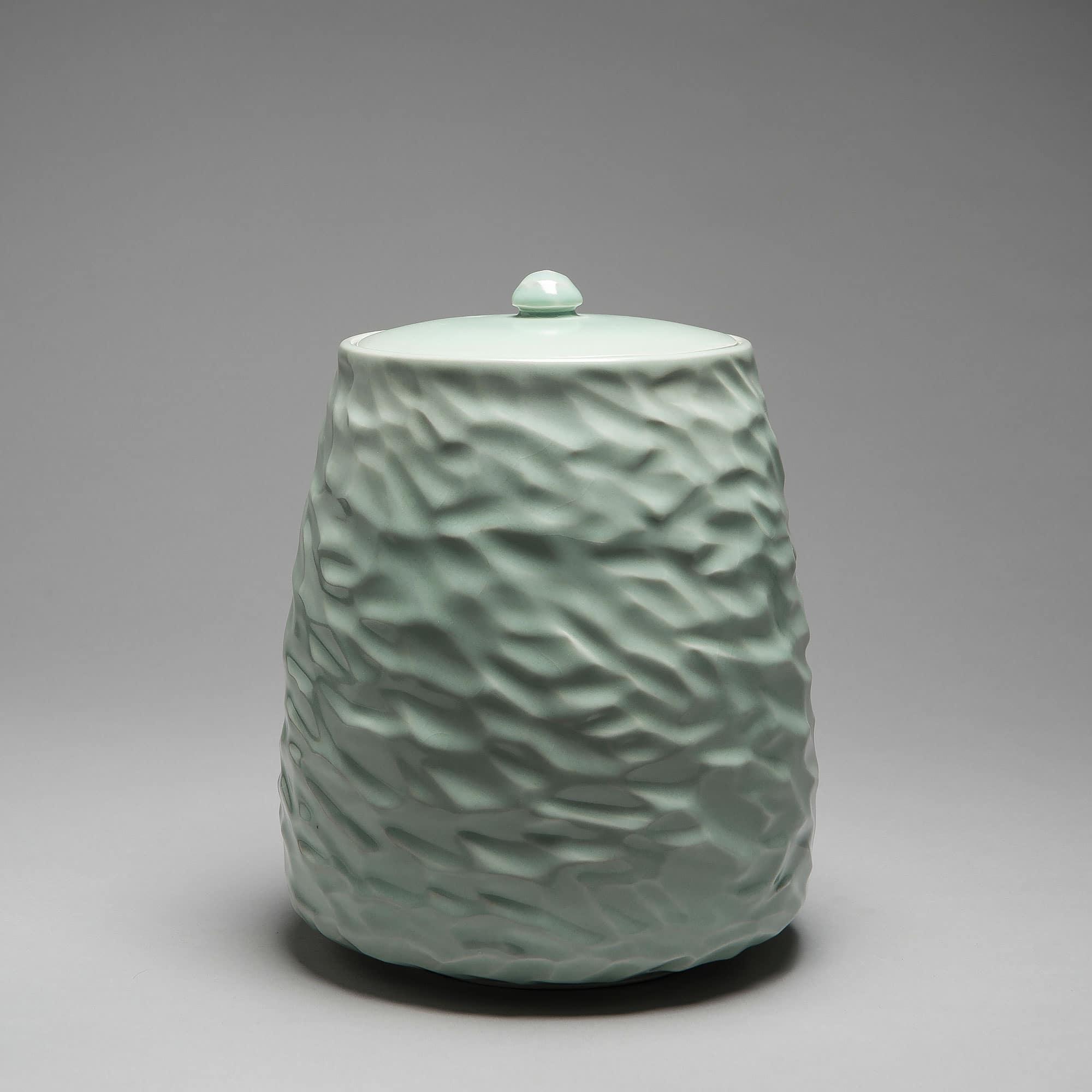 Marie-Laure Guerrier, boite en porcelaine émaillée 16