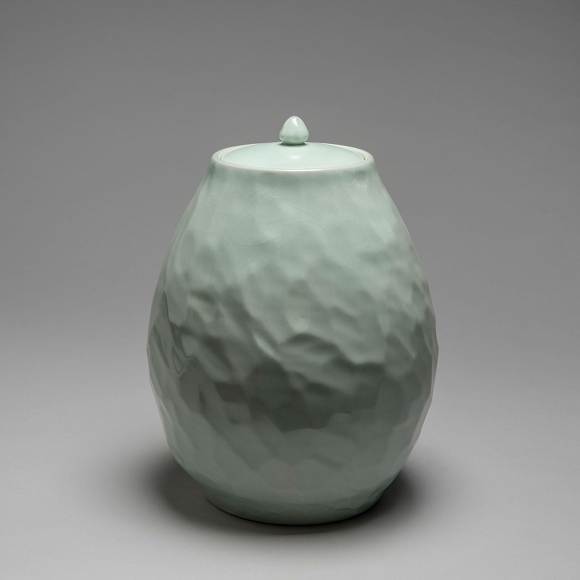 Marie-Laure Guerrier, boite en porcelaine émaillée 17