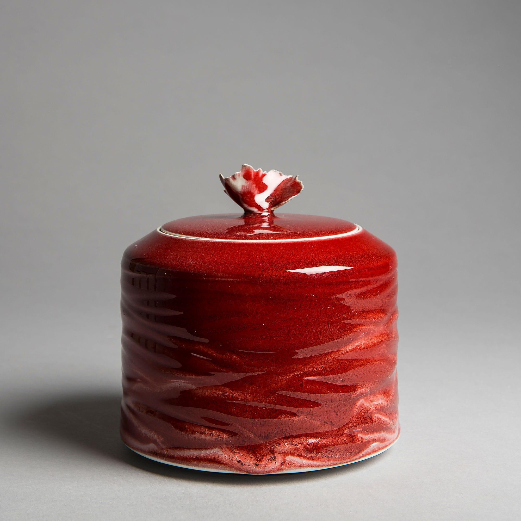 Marie-Laure Guerrier, boite en porcelaine émaillée 24