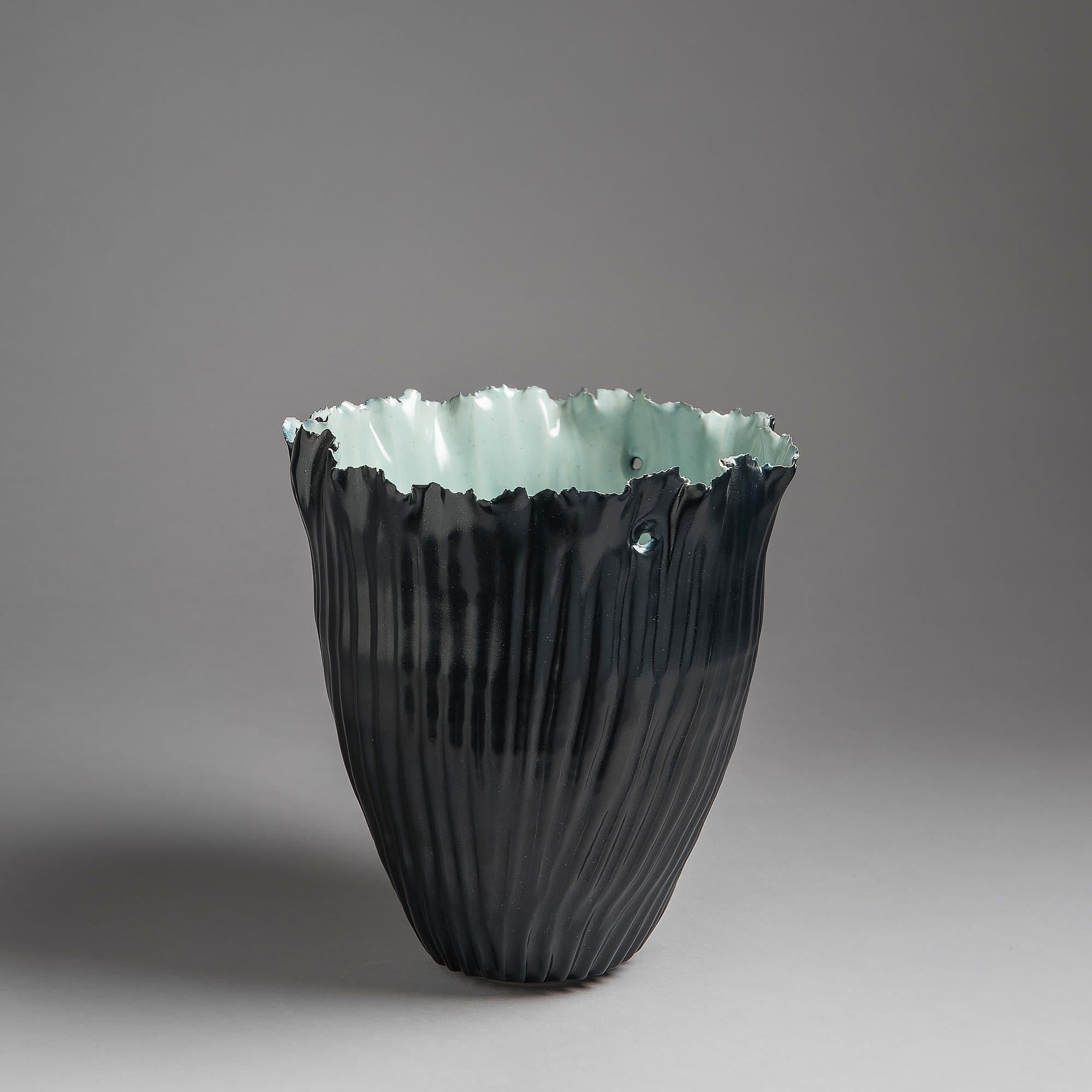 Marie-Laure Guerrier, vase en porcelaine émaillée 1